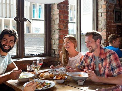 7 formas geniais de conseguir descontos em restaurantes