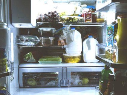7 erros comuns ao guardar os alimentos no frigorífico