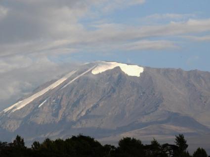 Esta é a mulher mais nova de sempre a subir o Kilimanjaro