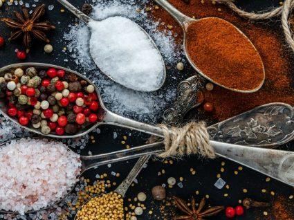 5 temperos para substituir o sal e melhorar a saúde