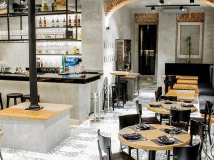 Zazah. O espaço que é galeria de arte, bar e restaurante