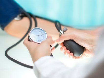 8 dicas caseiras para a pressão arterial alta