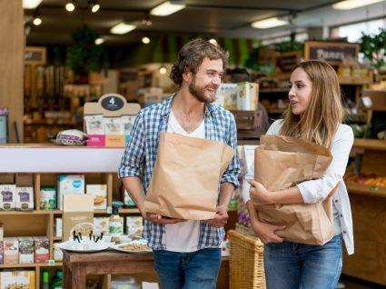 A vida é mais cara para homens ou mulheres? Analisámos 7 situações