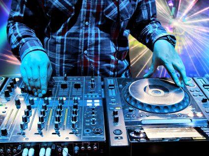 Saiba que são os 5 DJs mais bem pagos do mundo