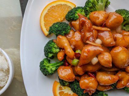 Frango com brócolos: 3 receitas fáceis e irresistíveis