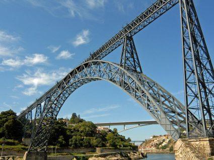 Câmara do Porto quer ecopista na ponte Maria Pia