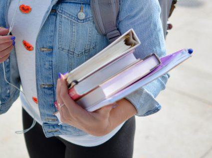 Quem tem direito a bolsa de estudo na faculdade