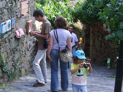 Elementos à solta: 13º encontro de artes na aldeia de Cerdeira