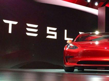 Elon Musk confirma dois novos Tesla para 2017