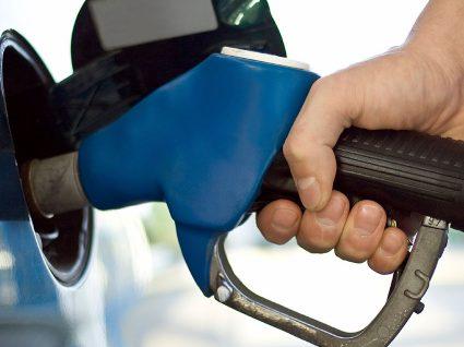 Saiba em que dias mais poupa ao abastecer o seu carro