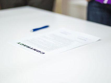 Em que casos pode o empregador fazer cessar o contrato de trabalho?