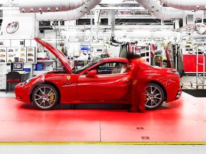 Trabalhar na Ferrari é o seu emprego de sonho?