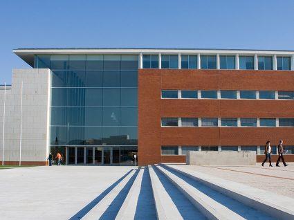 Universidade de Aveiro recruta investigadores e técnicos de arquivo