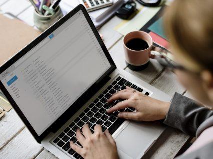 A empresa pode ler os seus emails pessoais: sim ou não?