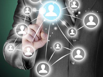 Empresas investigam perfis dos candidatos nas redes sociais antes de os contratarem