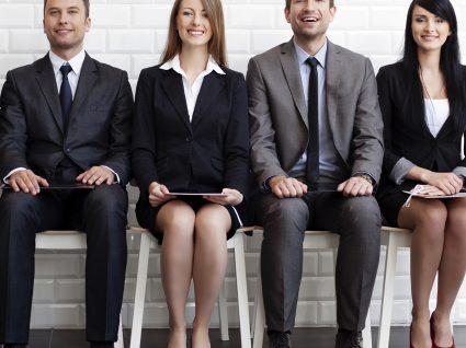 Entrevista de emprego: O que dizem as cores da sua roupa?