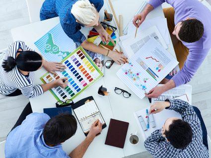 3 Erros que não deve cometer numa reunião de trabalho