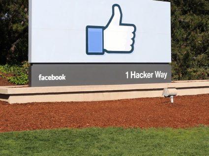 O Facebook vai contratar e quer pessoas que dominem o português