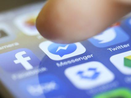 Facebook confirma que lê mensagens no Messenger