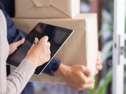 Click & Ship: envie as suas encomendas a partir de casa