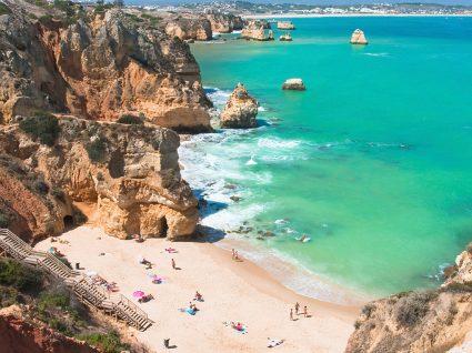 Dicas essenciais para passar férias baratas no Algarve