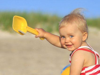 Primeiras férias com bebé? Saiba como planear