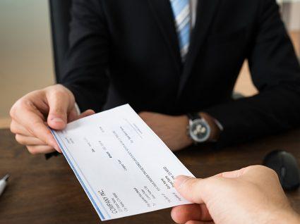 Finlândia testa rendimento base de 560 euros para desempregados
