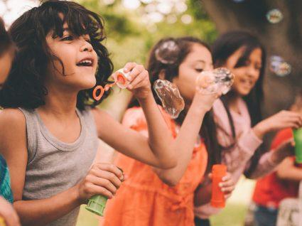 6 formas de manter os filhos ocupados