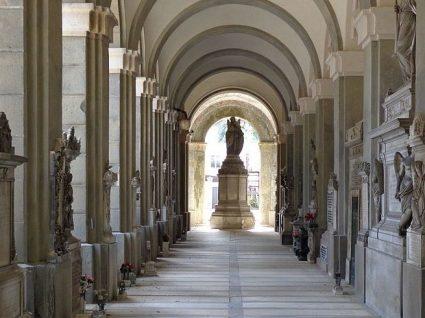 Turismo excêntrico: 6 dos cemitérios mais famosos do mundo