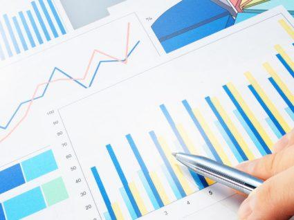 Ofertas de emprego por atividade económica: evolução da média anual
