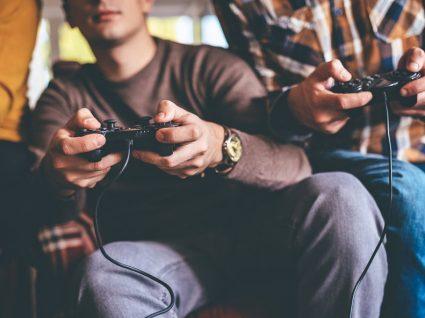 PS4 Pro vs. Xbox One X: qual a melhor consola da atualidade?