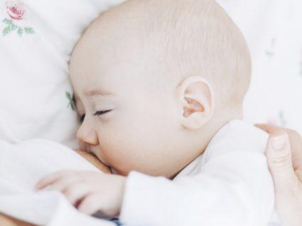 Guia essencial do bebé: tudo o que precisa para o 2º mês