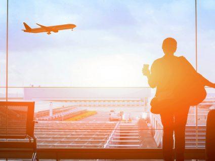 6 alimentos a evitar antes de andar de avião