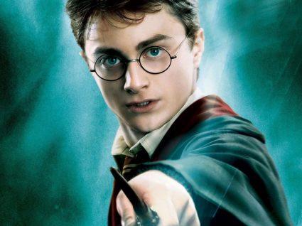 Em agosto e setembro pode jantar com Harry Potter