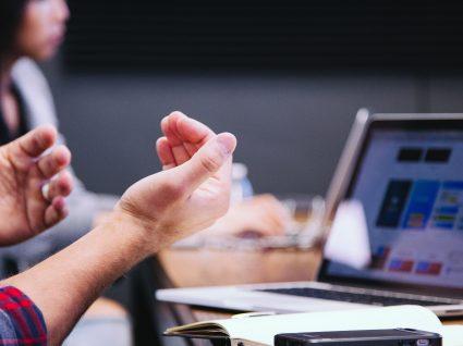 Resolução de problemas no trabalho: 5 estratégias infalíveis