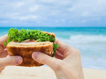 7 ideias de lanches para levar à praia e viver o calor cheio de sabor