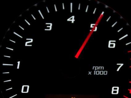 Saiba os motivos que levam ao aceleramento do motor em ponto morto