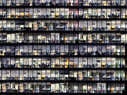 Iluminação no local de trabalho: o que diz a lei