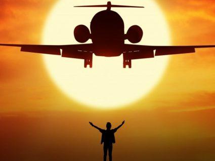 7 coisas que deve fazer antes de entrar num avião