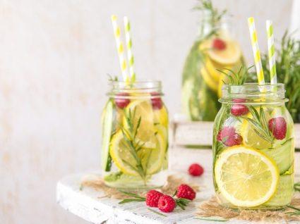 Infusão de frutas: 3 ideias para transformar a água e refrescar os dias