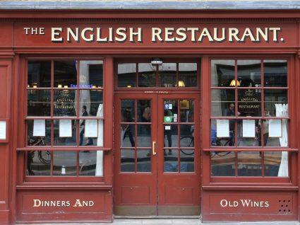 Inglês no restaurante: frases e expressões úteis