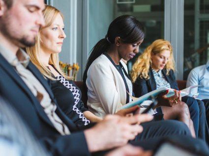 Como ir para uma entrevista de trabalho: 6 sugestões importantes