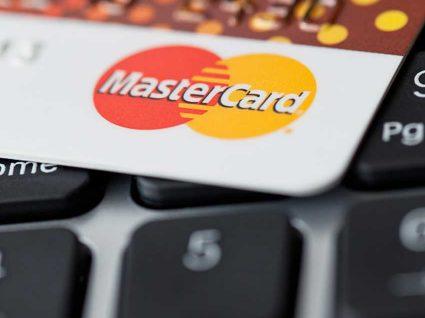 Juros de 33% para os Cartões de Crédito