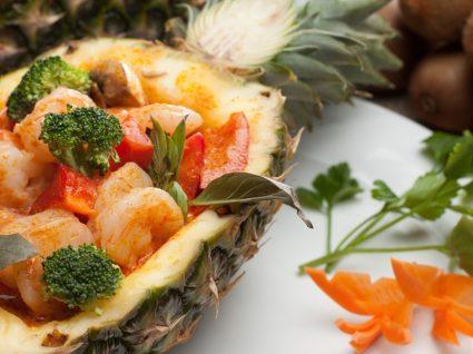 O que há para maio: receitas com ananás, cerejas e morangos