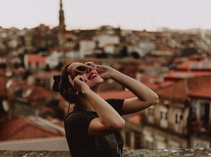 Conheça o perfil dos turistas estrangeiros que visitam Portugal