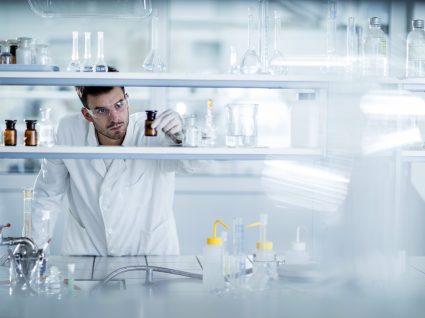 Farmacêutica Angelini dá 12 mil euros em bolsas de investigação