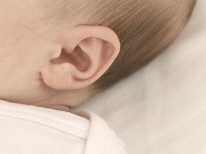 Como limpar a cera dos ouvidos dos bebés
