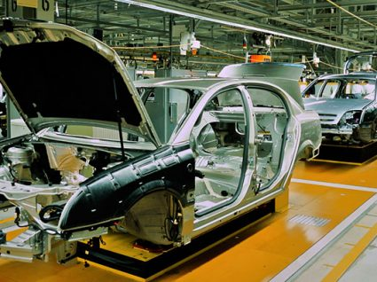 As 8 fases de uma linha de montagem de automóveis