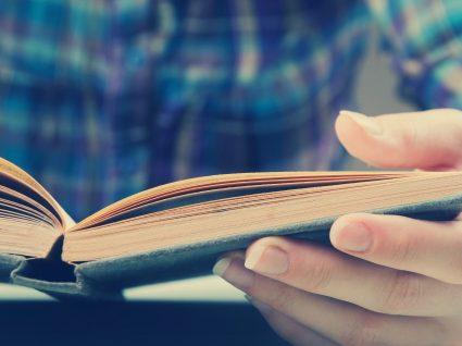 Polémico livro de Valter Hugo Mãe fica apenas para o Secundário