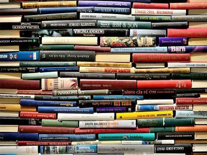 Descubra os 5 livros mais vendidos no mundo
